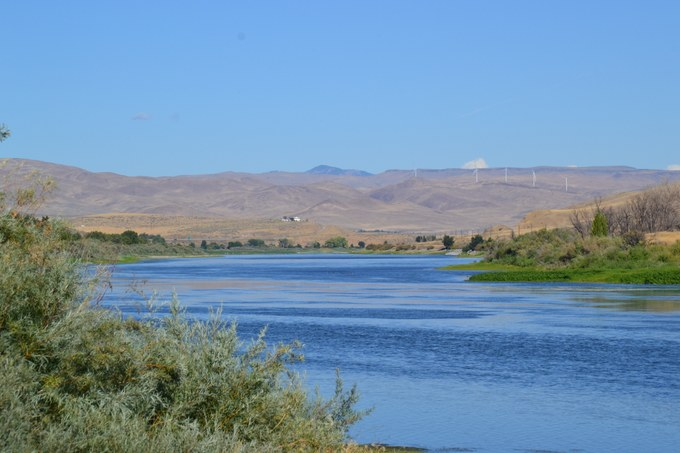 Abbildung 3: Der Snake River südlich der Farewell Bend State Recreation Area in Oregon. Die westliche Uferseite gehört zum Bundesstaat Idaho.Quelle: Julian Schnaedelbach 2016