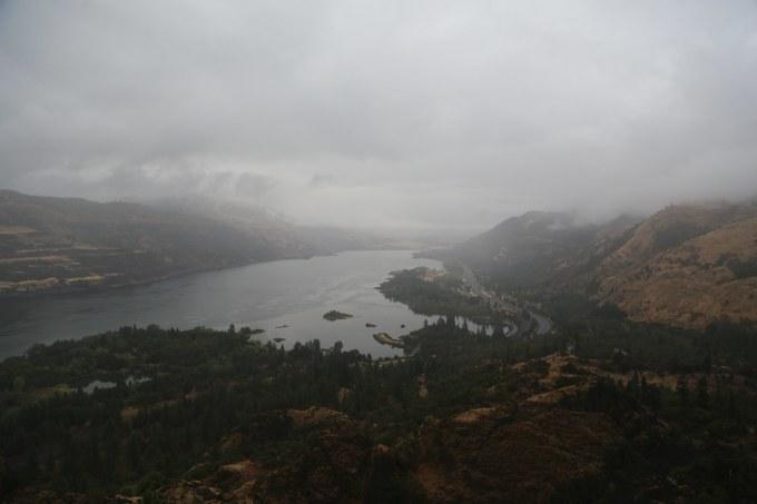 Abbildung 2: Abschnitt des Columbia River Gorge. Quelle: Hillringhaus 2016