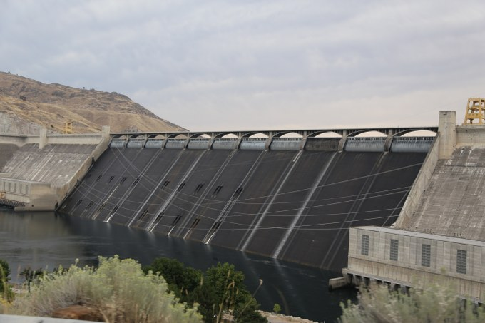 Abbildung 7: Staumauer des Grand Coulee Dams. Quelle: Hillringhaus 2016