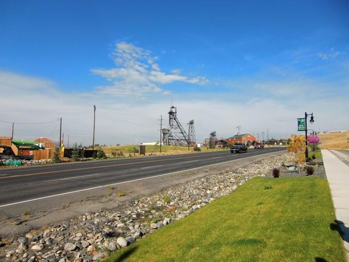 Abbildung 1: Belmont Senior Citizen Center und ein historischer Förderturm in Butte - Montana. Quelle: Kempke 2016