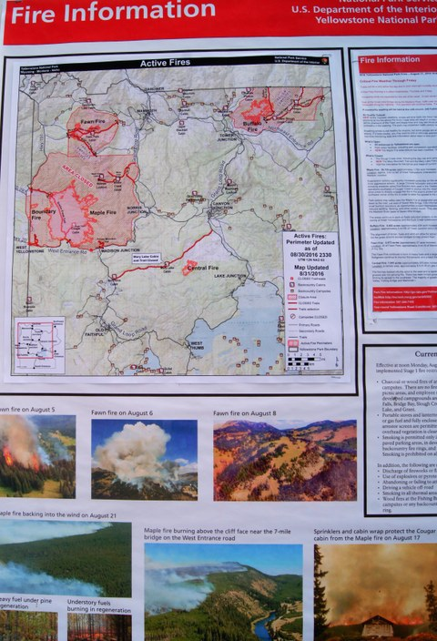 Abbildung 6: Aushängende Feuerinformationen mit den aktiven Bränden zur Zeit unseres Aufenthalts. Quelle: Riegel 2016