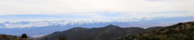 Abbildung 7: Panoramaaufnahme der östlichen Sierra Nevada mit Owens Valley. Quelle:Busche 2018.