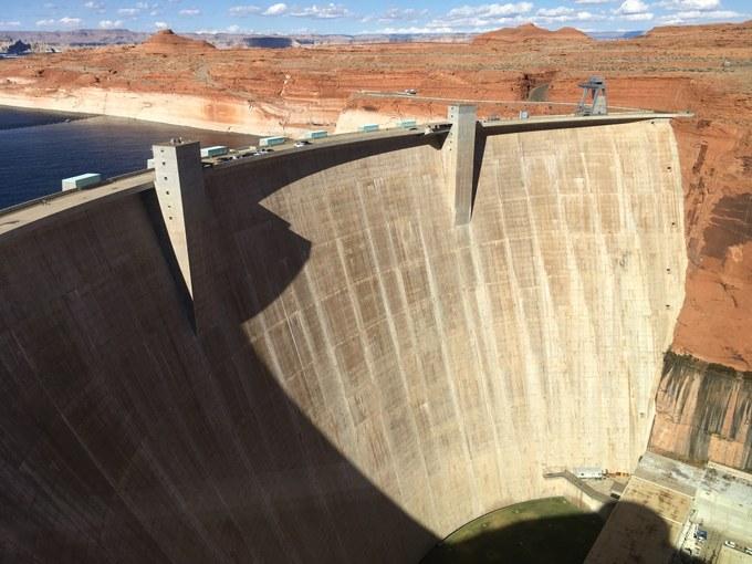 Abbildung 6: Der Glen Canyon Dam (Foto: Fortenbacher 2018)
