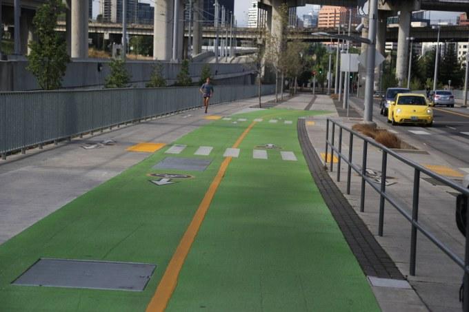 Abbildung 10: Fußgänger- und Fahrradweg (grün). Quelle: Hillringhaus 2016