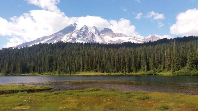 Abbildung 1: Mount Rainier aufgenommen vom Reflection Lakes. Foto: Beier 2016