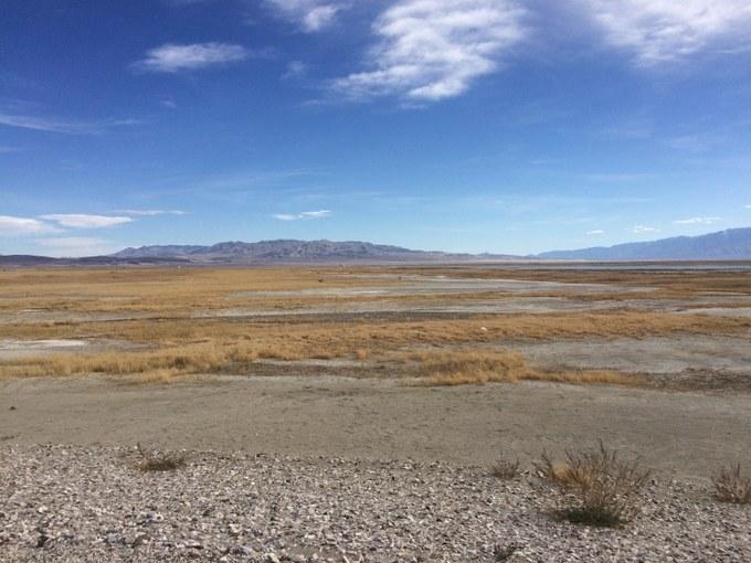 Abbildung 8: Der ausgetrocknete Owens Lake (Quelle: KAISER 2018).