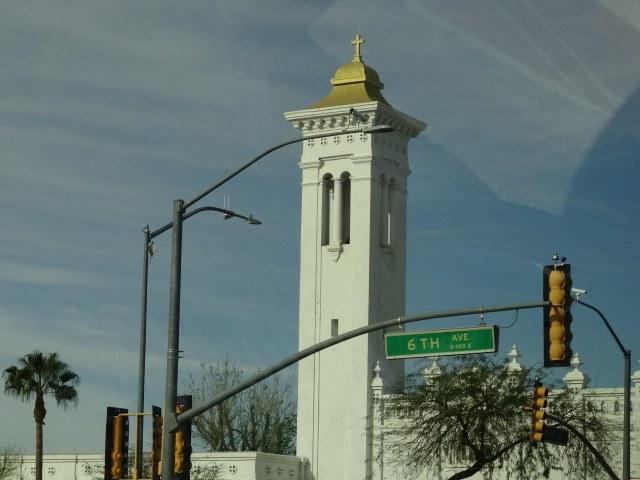 Abbildung 4: Kirchturm in Tucson. Quelle: Böhnert 2018